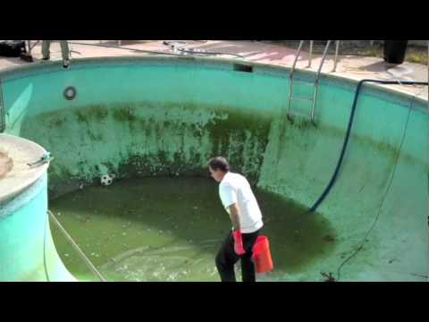 Whale Pool drain with Peter Hewitt and Rhino - IndependentTrucks.com