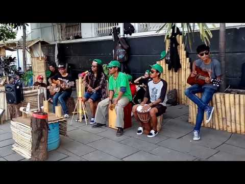 Pengamen Cover Reggae Kembali Steven And The Cocon.mp3