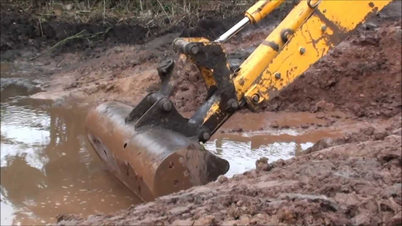 Digging Out A Pond With A Jcb Part 4 Youtube