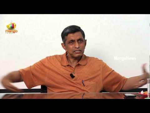 Pawan Kalyan welcomed by Jayaprakash Narayan into Lok Satta Party