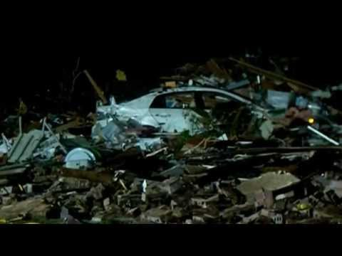 Oklahoma tornado: Moore rescue mission continues into night -- video