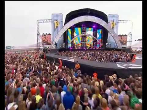 Sophie Ellis-bextor - Groovejet (If This Aint Love) Live Versi