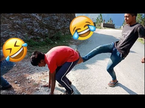 YOU WILL 100% LAUGH AFTER WATCHING THIS FUNNY PRANK VIDEO.....