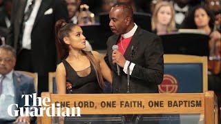 Download Lagu Aretha Franklin funeral bishop apologises to Ariana Grande Gratis STAFABAND