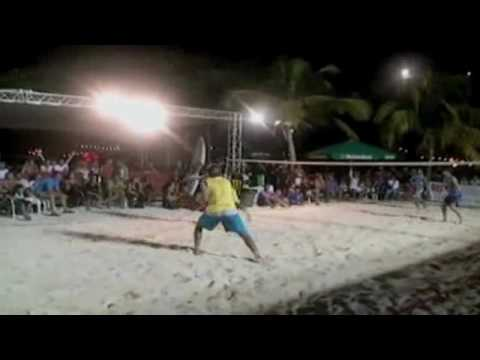 MOVIE | Beach Tennis Aruba