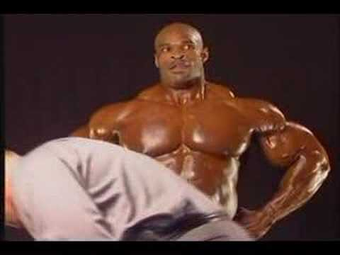 Ronnie Coleman 2001 Arnold Backstage Posing