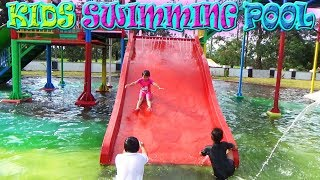 Bermain Perosotan Sepuasnya di Kolam Renang , Kids Playing Water in the Swimming Pool