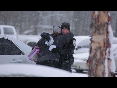 Mich. cops stop motorists for surprise gifts