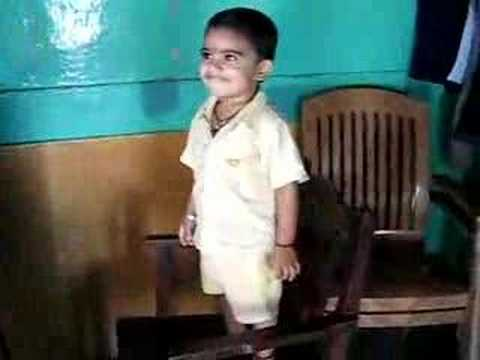 My little nephew dance in marathi song kombadi palali