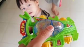 Kid Toy - Tin và anh Hai đua xe đồ chơi dây cót - Car Toy for Baby