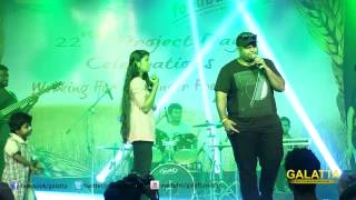 Thaman enthrals the audience by singing a song from Vaalu
