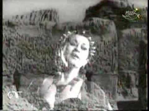 Here is a fantastic song, typical of the style of the divine Yma Sumac, gifted with an incredible voice (with a range of 5 octaves). Enjoy the magic of the Inca princess!