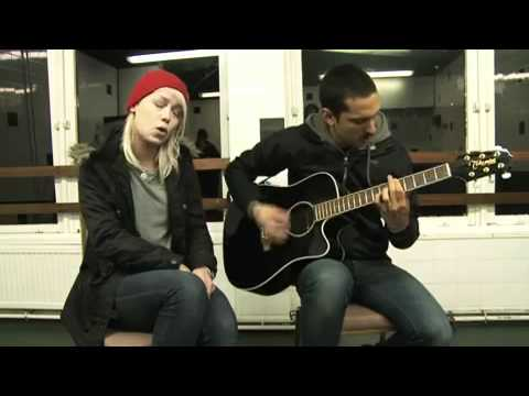 AlterThePress: 'Breaking and Entering' (acoustic) - Tonight Alive