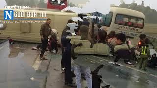 Xe oto khách tai nạn lật ngang trên cao tốc Nội Bài - Lào Cai