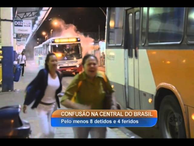RJ: Protesto na Central do Brasil assusta passageiros