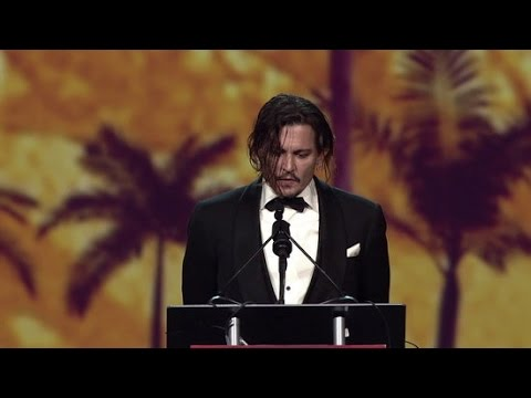 Johnny Depp Thanks Wife Amber Heard For Putting Up With Him | Palm Springs Film Festival 2016