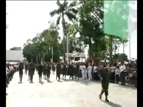Roberto Borge atestigua desfile en Chetumal
