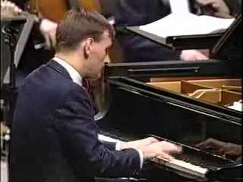 Long clips from the NHK telecast of a 1993 concert with the NHK Symphony ...