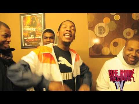 WERUNTHESTREETSTV IN THE STUDIO GILLIE DA KID , NH , APEGANG