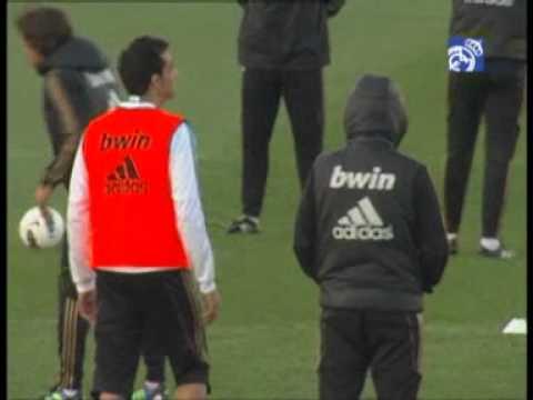Real Madrid C.F. - Web Oficial - Sahin y Coentrão se entrenan con el grupo.flv