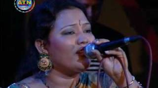 Bangla Folk Song By Momotaz : Ami Karo Holee Tomar Kano Jolee