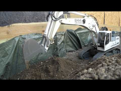 Liebherr R 944 B Excavator / Bagger Messing About In The Dirt - 2.7K 30FPS GoPro Footage
