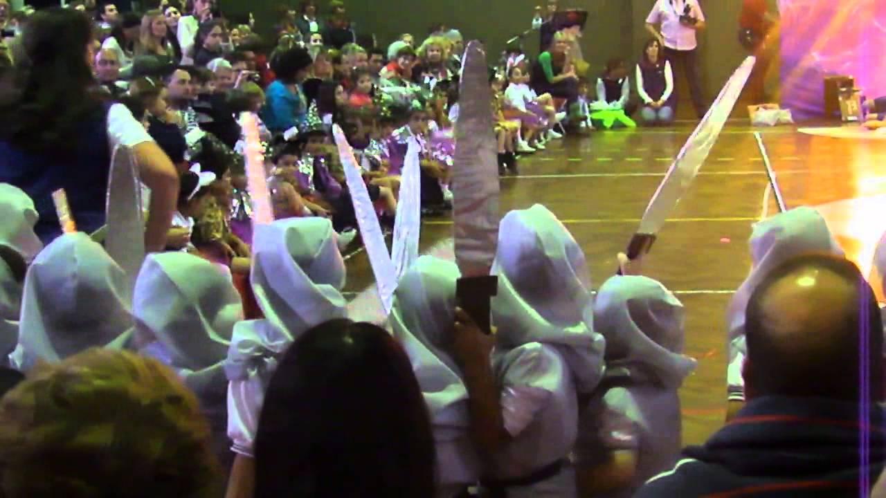 Acto recreativo jard n 2 secci n b colegio sagrada for Colegio sagrada familia malaga ciudad jardin