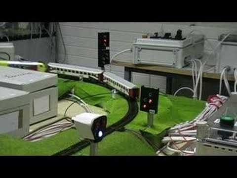 Siemens LOGO based realistic signaling on miniature railway