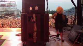Poison & CC DeVille's solo with son rocking out