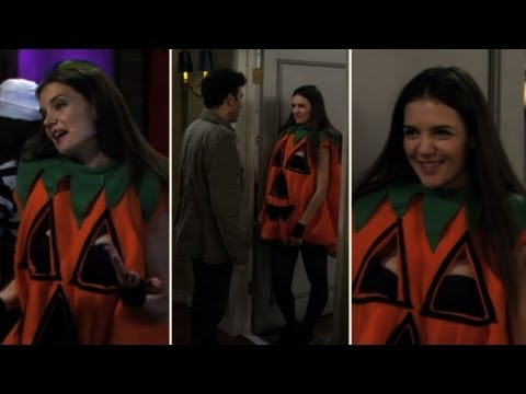 "Katie Holmes's Funniest ""Slutty Pumpkin"" Moments on How I Met Your Mother"