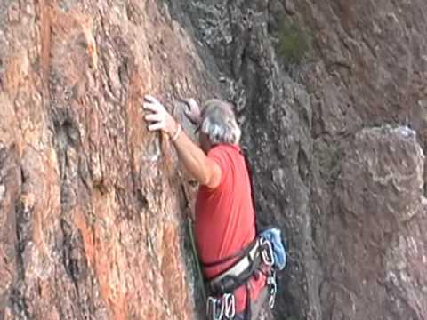 Guyzo on Beeline 5 10a Echo Cliffs, California