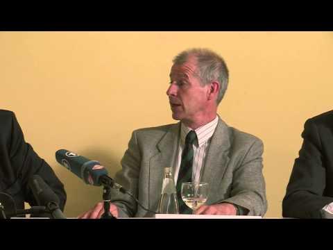 PRESS CONFERENCE / PRESSE KONFERENZ WARREN E. BRADY