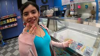 Youtuber training #1  @ Daytona Beach, FL ice cream shop