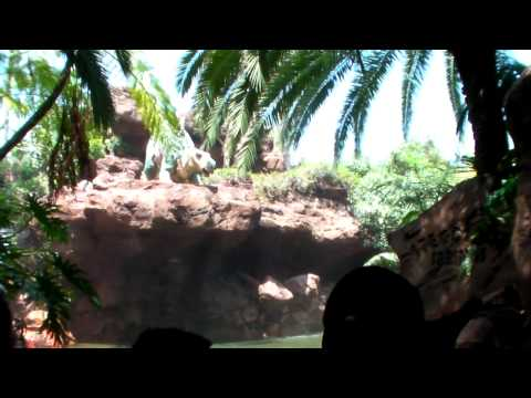 Jurassic Park The Ride (River Adventure) at Universal Studios Hollywood. Sanyo WH1 Water Test in HD!