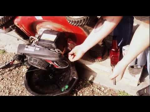 How-to change the oil and tune-up a Honda push mower in 5 minutes