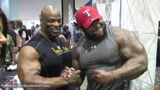 "Keven ""Da Hulk"" Washington attracting many fans with Ronnie Coleman"