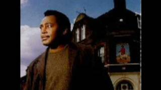 Watch George Benson Footprints In The Sand video