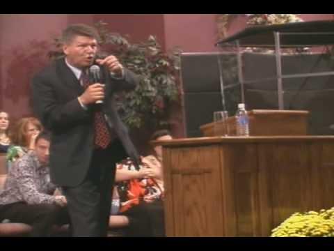 Pastor Tommy Bates Preaching Nick Fields on the Hammond B3