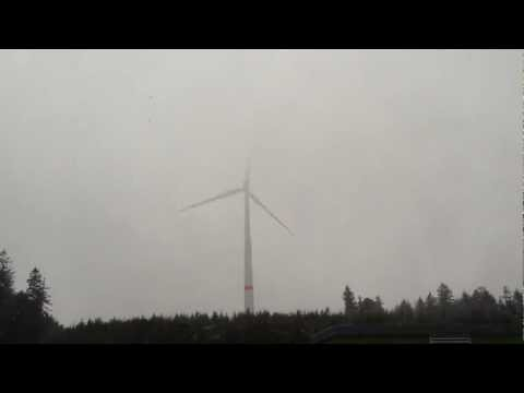 Lightning Strikes Wind Turbine Blade (Siemens2.3DD)