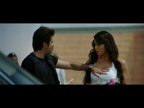 Sameera Reddy, Katrina & Bipasha  - Race (all Hot Scenes) video