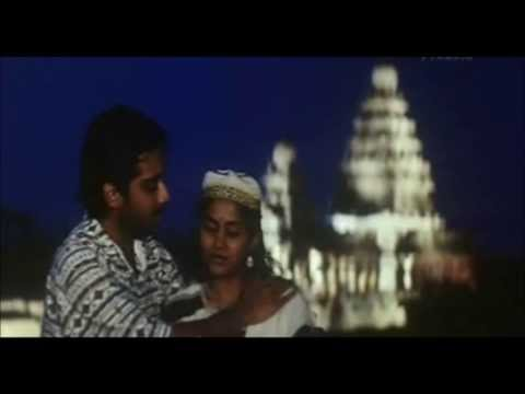En Mel Vizhuntha Mazhai Thulliye - Karaoke May Madham video