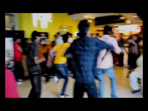 Kolaveri di Flashmob @ Atrium Mall (Karachi) Official Video 2012