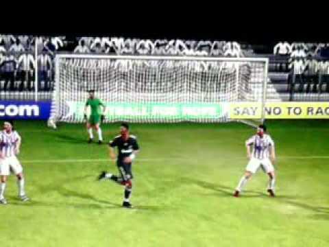 Goal fantastico di C.Ronaldo su rovesciata ad effetto e nell'angolino basso