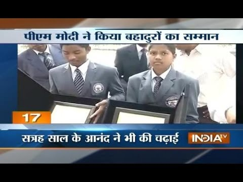 Narendra Modi congratulates teenagers who climbed Mt Everest