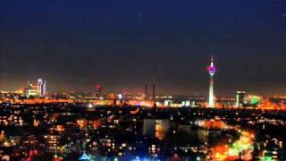 Düsseldorfer Karnevalsmusik Hück Do Wulle Mer Danze.wmv