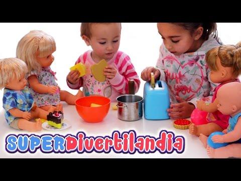 Desayuno de los bebés Nenuco en Divertilandia! Tostadora de juguete y raviolis!