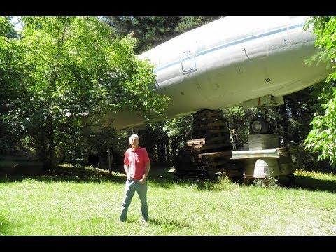 Дом из Бойнга на своем участке: Мужчина приобрел самолет за 220.000 $ и сделал из него дом