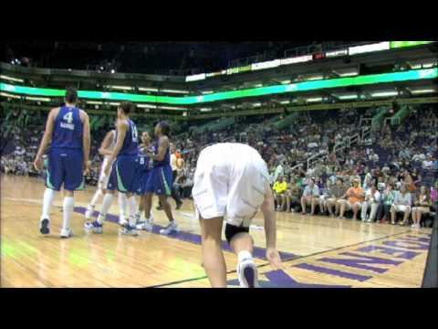 WNBA FIGHT: Diana Taurasi + Penny Taylor vs. Cappie Pondexter