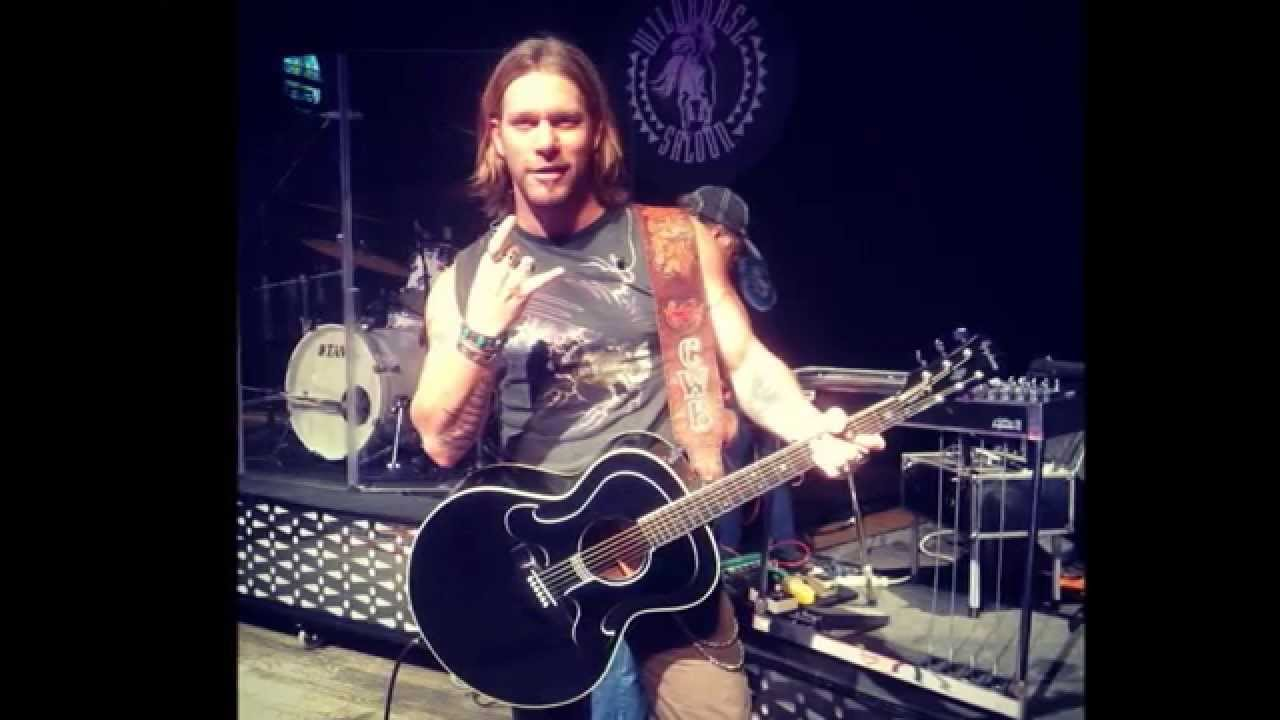 Craig wayne boyd goes from playing nashville honky tonks to the voice