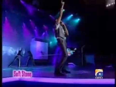 Atif Aslam Live - Khwabon Ke Rishtey.mp4